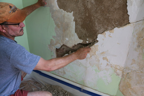 How to repair a plaster wall.jpg